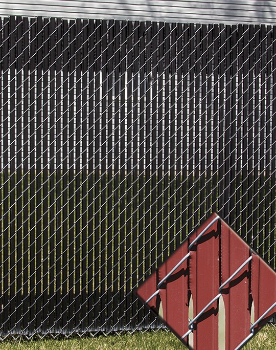 Chain link fence feather lock privacy slats